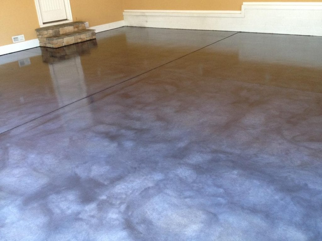 Gray Concrete Stain on Garage Floor