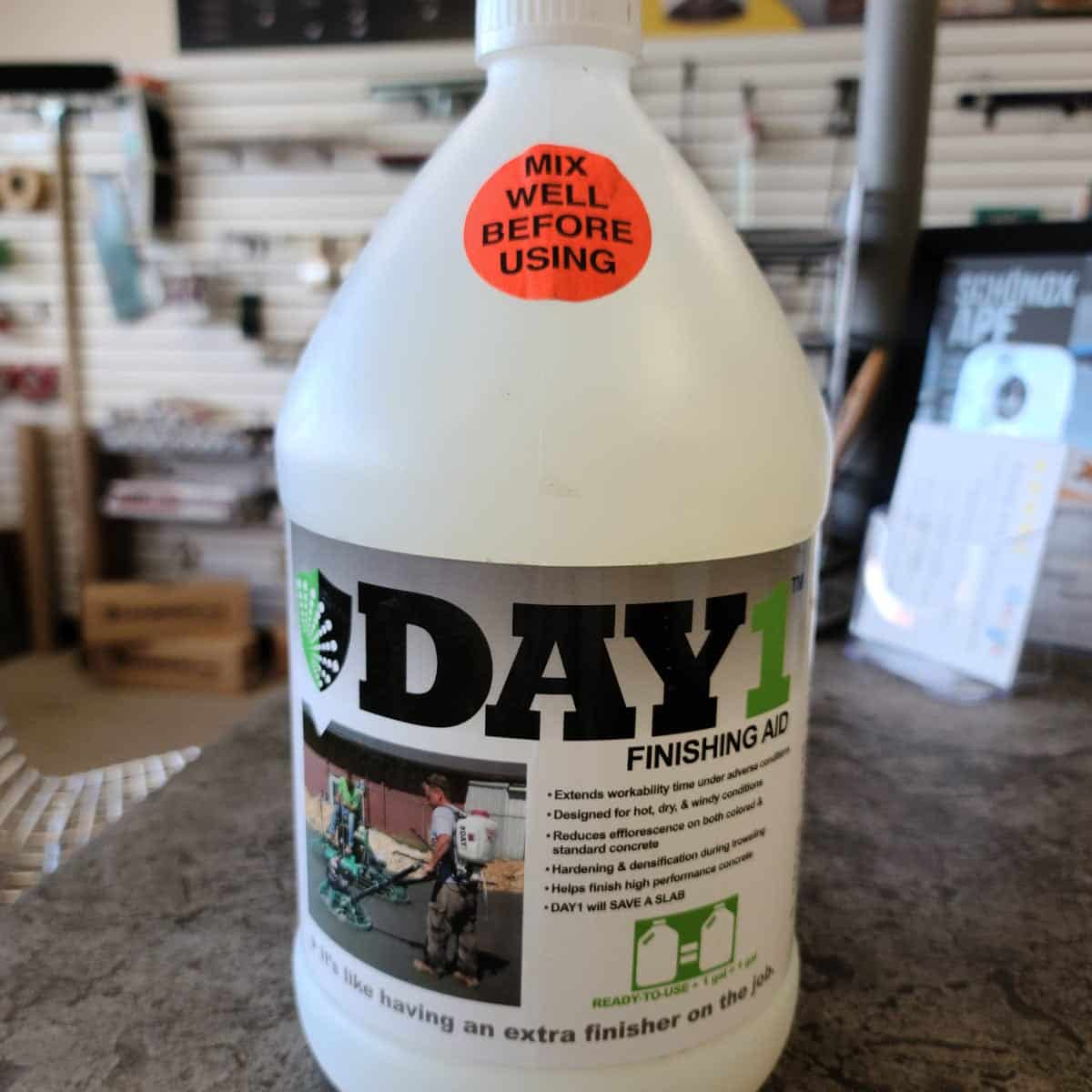 DAY 1 Troweling Finishing Aid - Extend Fresh Concrete Workable Time 1 Gallon