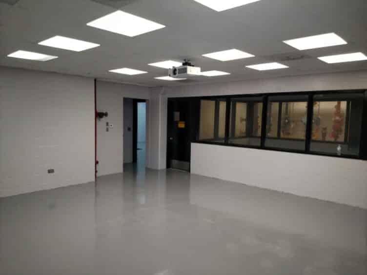 09.17-epoxy-flake-floor-coating-fire-department-bgf1